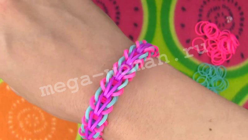 Плетение Rainbow loom браслета