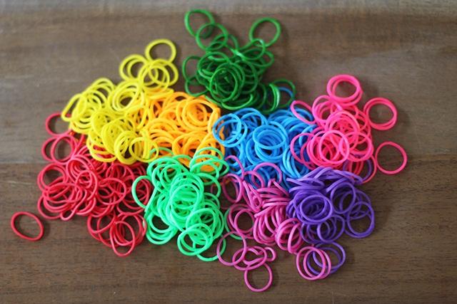 плетіння браслетів з гумок
